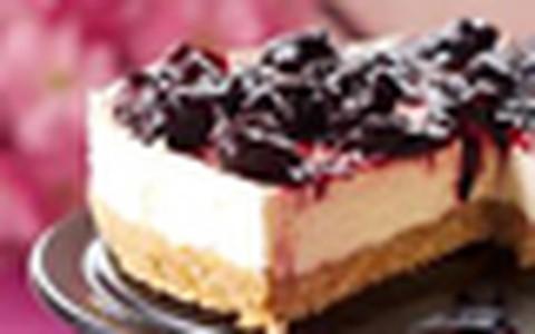 Cheesecake com calda de cereja da Nigella