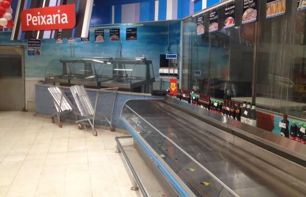 Gerente do supermercado Extra é preso em Goiânia (Foto: Sílvio Túlio/G1)
