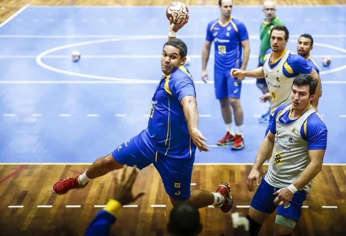Vinícius chega ao seu terceiro mundial pela seleção brasileira (Foto: Wander Roberto/Photo&Grafia)