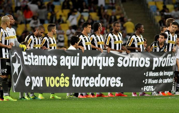 faixa protesto time Botafogo (Foto: Vitor Silva / SS Press)