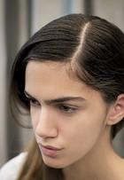 Confira passo a passo de como usar os cabelos soltos mesmo em dia de 'bad hair day'