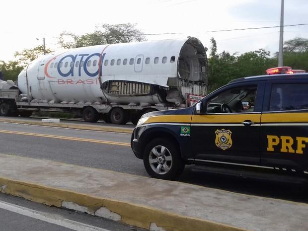 [Brasil] Sucata de avião apreendida na BR-020 havia sido comprada em leilão Boing
