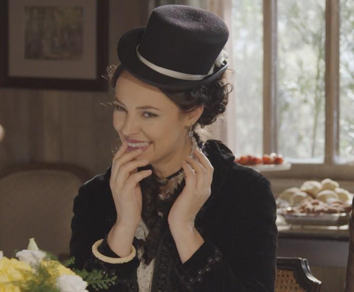 Melissa ri de Bianca durante o chá oferecido por Salomé (Foto: TV Globo)