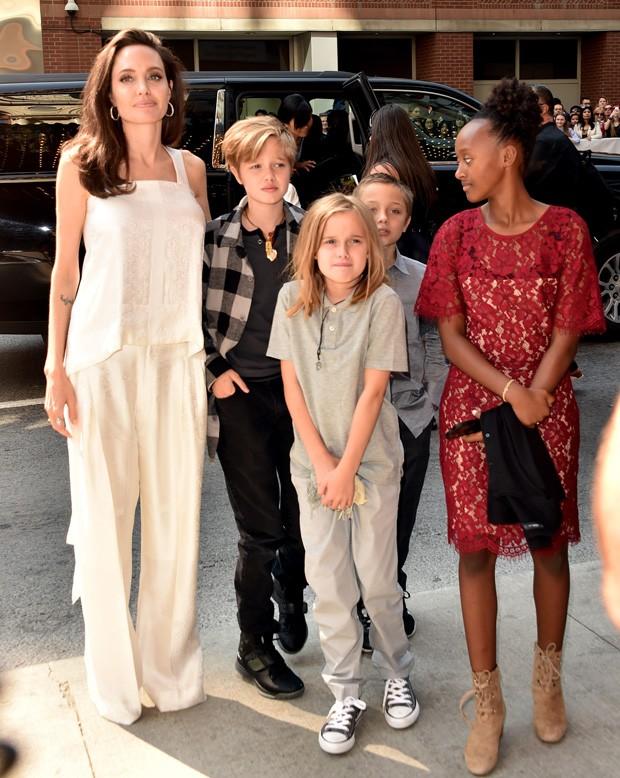Angelina Jolie levou os filhos para o Festival de Cinema de Toronto (Foto: Getty Images)