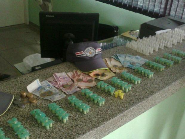 Drogas foram localizadas dentro de uma casa no bairro Parque Novo Mundo, em Boituva (SP). (Foto: Polícia Militar)
