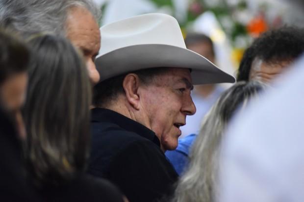 Milionário no velório de José Rico (Foto: Caio Duran  / EGO)