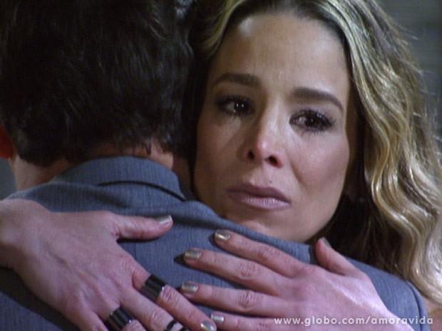 Amarilys resolve ter outro filho com Eron (Foto: Amor à Vida\TV Globo)