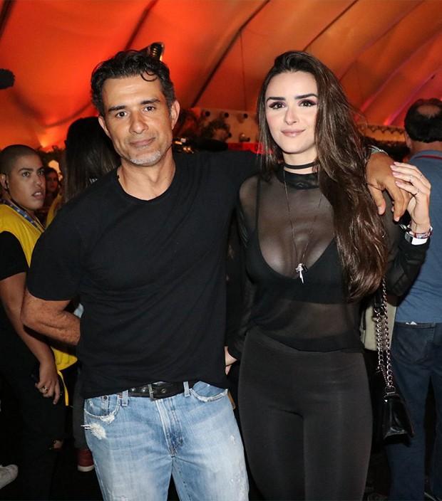 Marcos Pasquim e namorada, Aline Fernandez (Foto: Rogerio Fidalgo/ AgNews)