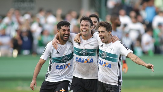 Foto: (Giuliano Gomes/PR Press)