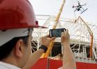 Colorados têm 'robô voador' para ver obras (Diego Guichard / GLOBOESPORTE.COM)