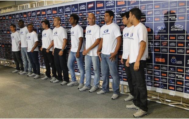 Cruzeiro apresenta dez contratações para 2013 (Foto: Valeska Silva / Globoesporte.com)
