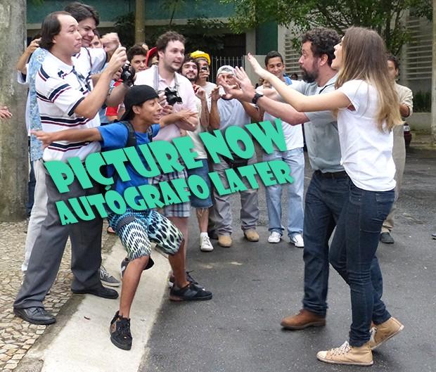 Pictures now, autógrafos later! (Foto: Malhação / TV Globo)
