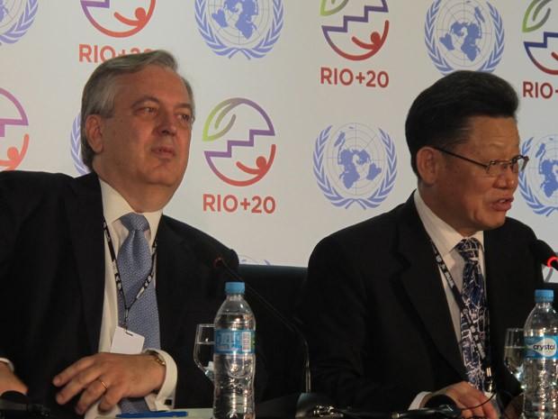 O embaixador Luiz Alberto Figueiredo, negociador-chefe da delegação do Brasil, e o secretário da ONU para a Rio+20, Sha Zukang. (Foto: Giovana Sanchez/G1)