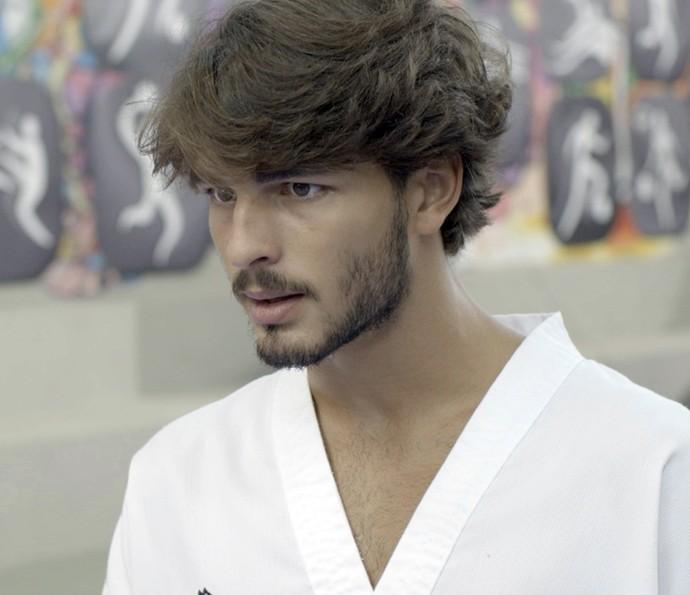 Roger se justifica e diz que ela já desconfiava (Foto: TV Globo)