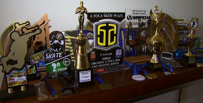 Troféus Arthur Strauss skatista Ribeirão Preto (Foto: Sérgio Oliveira / EPTV)