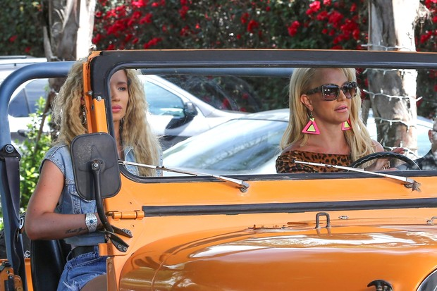 Britney Spears e Iggy Azalea  (Foto: AKM)