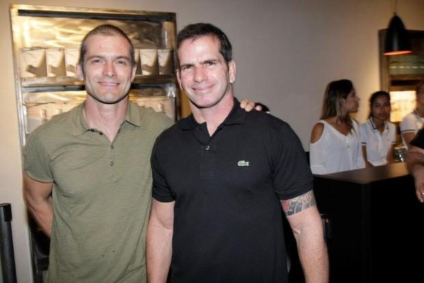 Claudio Heinrich e Alexandre Salim em festa da Lacoste (Foto: Vera Donato/ divulgação)