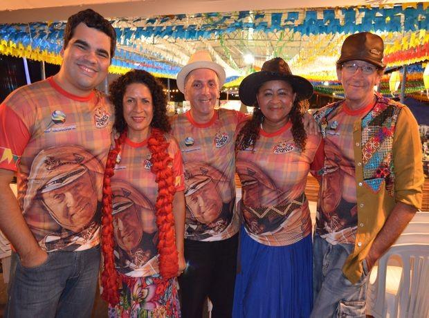 Jurados comemoram nível das quadrilhas do Levanta Poeira 2012 em Canindé (Foto: Marina Fontenele/G1 SE)