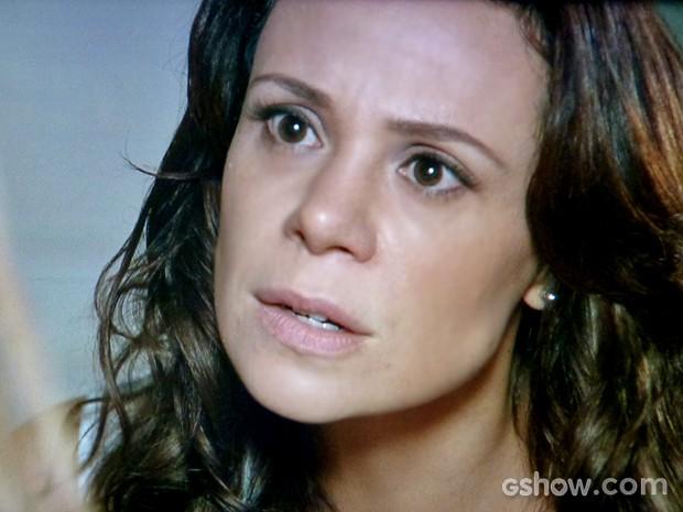 Juliana pressiona Guiomar (Foto: Em Família/ TV Globo)