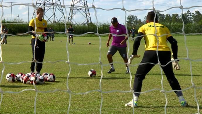 XV de Piracicaba treino (Foto: Vaner Santos / EPTV)