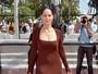 Sônia Braga aparece elegante em Cannes