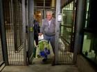 Comitiva faz vistoria para avaliar se prisão de Itajaí pode receber Pizzolato
