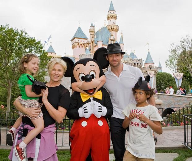 Hugh Jackman adotou duas crianças, Ava e Oscar (Foto: Getty Images)