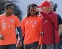 """Melhor jovem europeu, Renato Sanches é saudado por Douglas Costa: """"Golden boy"""""""