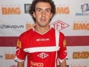 Marquinhos é de Nova Friburgo e atualmente jogava no Tombense/MG (Foto: Reprodução)