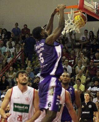 Paulistano x Mogi - Jogo 4 - semifinal paulista de basquete (Foto: Antonio Penedo/Helbor)