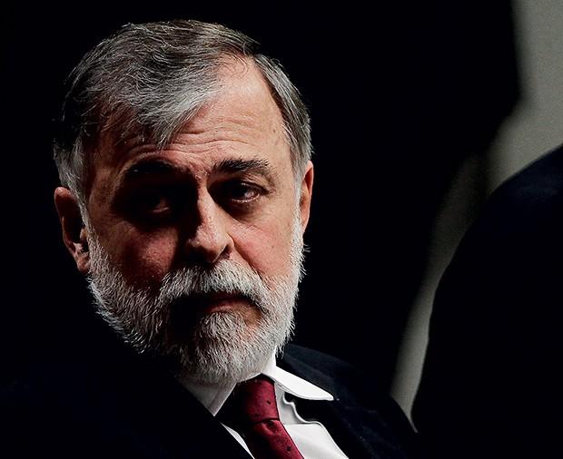 DOMINÓ Paulo Roberto Costa, em depoimento no Congresso. Ele estreou  a delação premiada (Foto: Alan Marques/Folhapress)