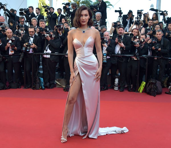 Bella Hadid de Alexandre Vauthier no Festival de Cinema de Cannes (Foto: Getty Images)