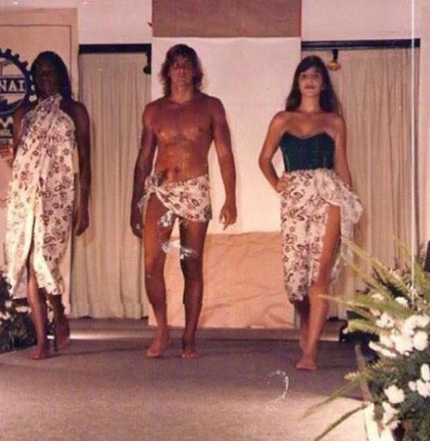 Modelos desfilam com Ivete Sangalo (Foto: Reprodução)