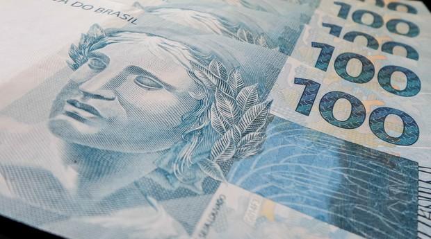 Depois de uma década, valor total dos salários recua