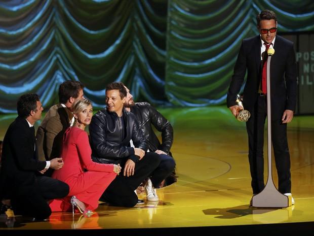 Robert Downey Jr. é homenageado no MTV Movie Awards 2015 (Foto: REUTERS/Mario Anzuoni)