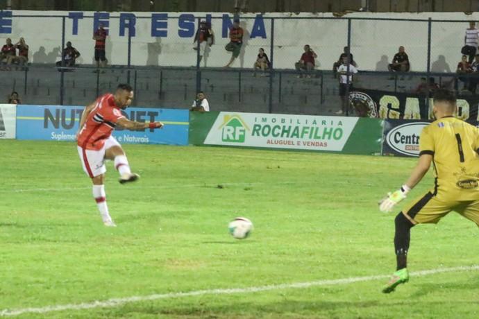 River-PI x Flamengo-PI - Júnior Paraíba (Foto: Renan Morais)