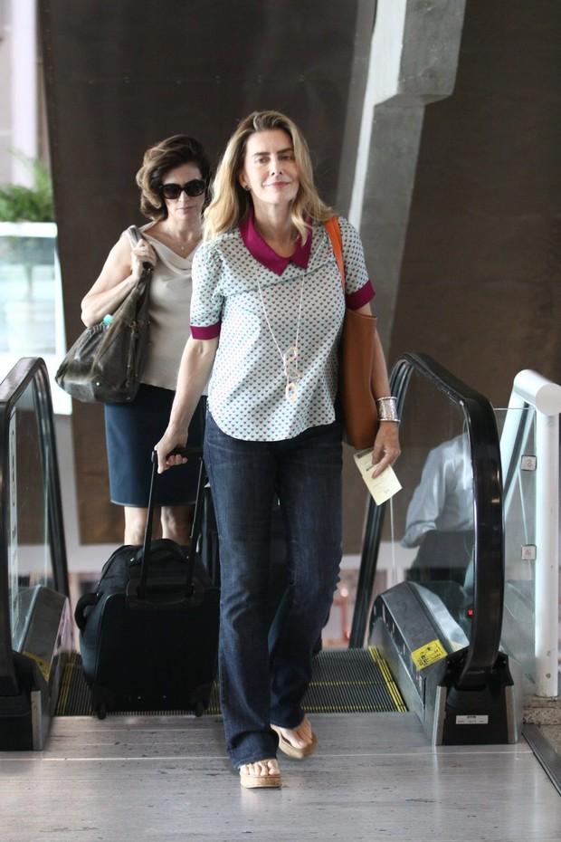 Maitê Proença no aeroporto (Foto: Wagner Santos / Foto Rio News)