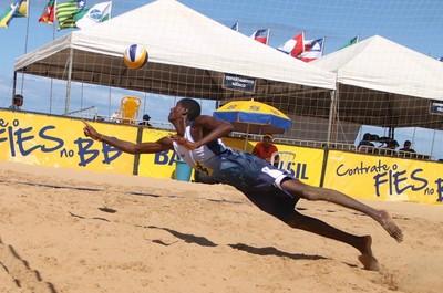 Circuito sub-23 de vôlei de praia em Chapecó (SC) (Foto: Divulgação/CBV)