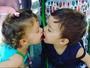 Luana Piovani posta foto dos filhos gêmeos se beijando: 'Beijo de bom dia'