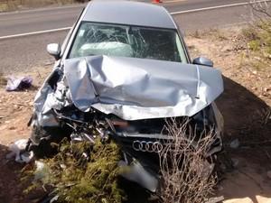 Motorista do carro de luxo causou acidente, segundo a PRF (Foto: Divulgação/PRF)