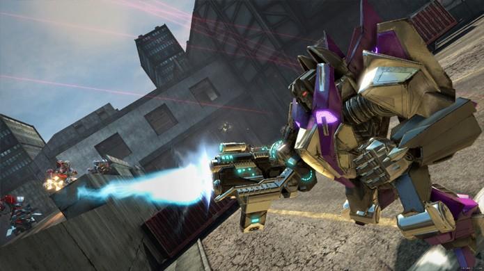 Cada arma possui atributos diferentes em Transformers: Rise of the Dark Spark, experimente todas (Foto: nintendolife.com)