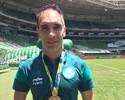 Fernando Prass recebe réplica de medalha de ouro olímpica