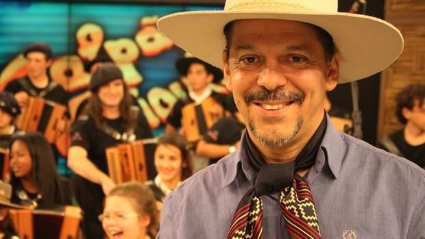Neto Fagundes escreve o Chasque do Neto (Foto: Foto: Verônica de Giacomo/RBS TV)