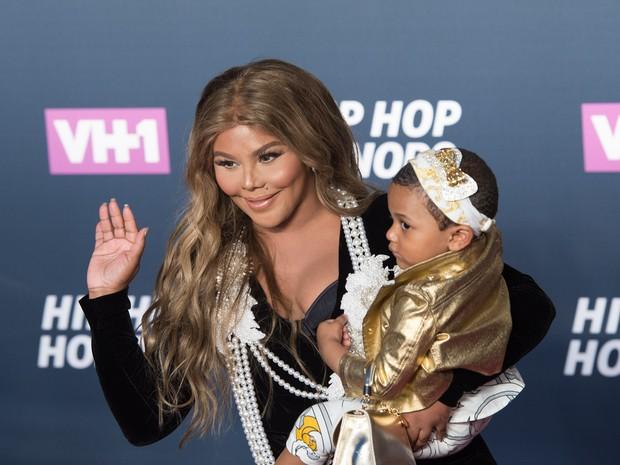 Lil' Kim e a filha Royal Reign em premiação em Nova York, nos Estados Unidos (Foto: Bryan R. Smith/ AFP)