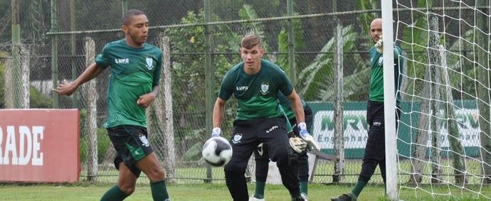 Osman e João Ricardo, do América-MG (Foto: Carlos Cruz/AFC)