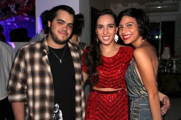 Ana Carolina, filha de Edmundo, e Francisco, filho de Preta Gil (Foto: Cleomir Tavares / Divulgação)