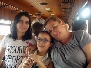 Célia Bonilha, de 52 anos, com a filha de 32 e a neta de 9 (Foto: Arquivo pessoal)
