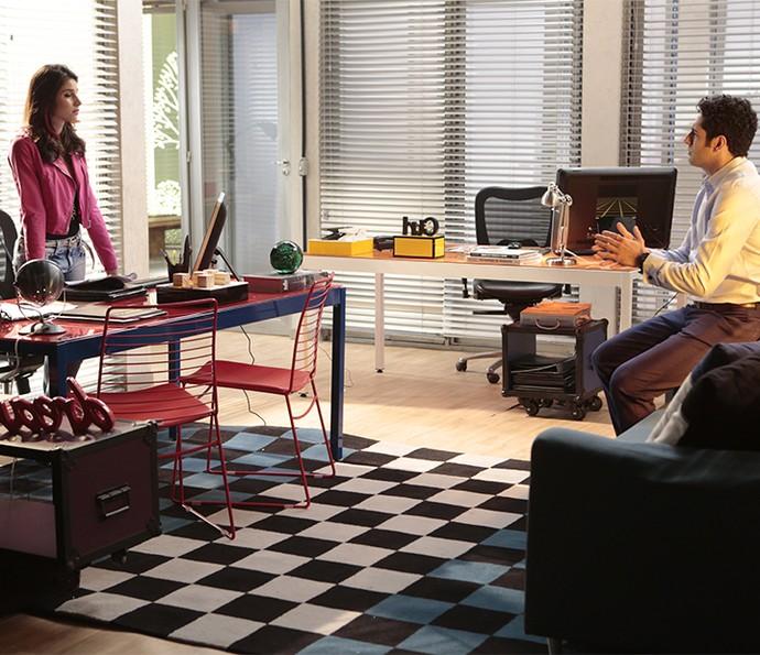 Carmela não mede esforços para virar modelo e faz chantagem com Beto (Foto: Felipe Monteiro/Gshow)