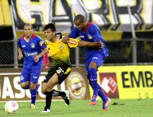 jogo entre São Caetano e São Bernardo (Foto: Elisa Rodrigues / Ag. Estado)