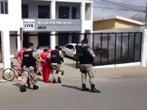 Operação da Polícia Civil em Cláudio (Foto: PC/Divulgação)